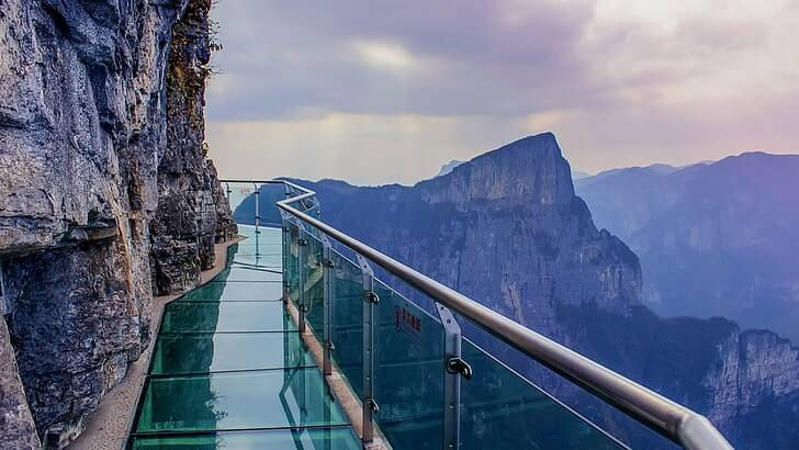 Skywalk in tianmen mountain china